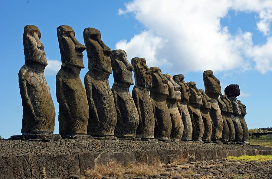 Most Famous Statues in the World - Moai (Easter Island, England)